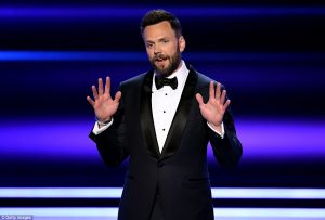 3C428DDD00000578-4134732-The_host_Joel_McHale_hosted_the_People_s_Choice_Awards_on_Wednes-a-31_1484803735403